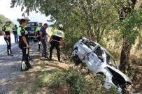 ALI ASLAN - Tatil Yolunda Kaza Açıklaması 1 Ölü, 4 Yaralı