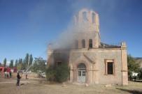 MURAT AYDıN - Tinerciler Tarihi Kiliseyi Yaktı