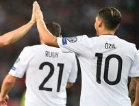 MARIO GOMEZ - Almanya gol oldu yağdı