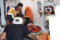 GÖKHAN ÜNAL - Bariyerlere Çarpan Otomobil Hurdaya Döndü Açıklaması 3 Yaralı