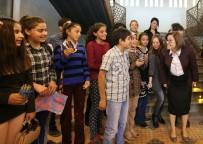 ÇOCUK TİYATROSU - Çocuk Sanat Merkezi Kurslarına Yoğun İlgi