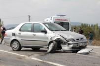 KÜÇÜKKÖY - Domaniç'te Trafik Kazası Açıklaması 2 Yaralı