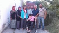 AKÜLÜ SANDALYE - Gördes'te 3 Engelli Akülü Sandalyesine Kavuştu