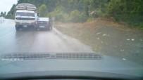ÇILINGIR - Kamyonun Otomobillere Çarpma Anı Güvenlik Kamerasında