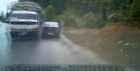 ÇILINGIR - Kontrolden Çıkan Kamyon Otomobilleri Biçti