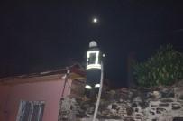 AHŞAP EV - Kula'da Ahşap Evde Çıkan Yangın Korkuttu