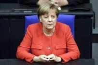 HRISTIYAN - Merkel Açıklaması 'Türkiye'nin AB Müzakerelerini Askıya Almak İçin Teklifte Bulunacağım'