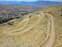 Nemrut Dağının 3 Km'lik Yolu Yapılıyor