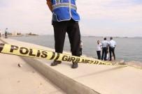 Zeytinburnu Sahilinde Kıyıya Erkek Cesedi Vurdu