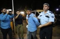 MEYDAN DAYAĞI - Ailesiyle Yolculuk Eden Polis Cam Silen Kişiler Tarafından Darp Edildi