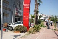 BÜLENT ECEVIT - Antalya'da Otomobil Sağlık Merkezine Girdi