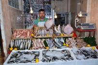 ORHAN YıLDıZ - Balıkesir'de İlk Balıklar Tezgahta
