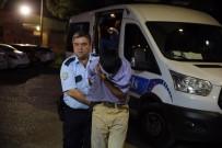 MEYDAN DAYAĞI - Camını Sildirmek İstemeyen Polisi Öldüresiye Dövdüler