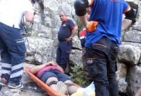 KANYON - Kayalıklarda Mahsur Kalan Şahıs 4 Saatlik Operasyonla Kurtarıldı