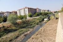 YAĞAN - Sungurlu'da Dere Yatakları Temizleniyor