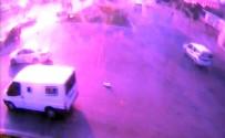 TOPLU TAŞIMA ARACI - Yola Düşen 155 Bin Liralık Külçe Altını Alıp Götürdü