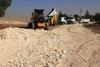 KIŞ MEVSİMİ - Akçakale Kırsalında Yol Çalışmaları Sürüyor