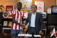MUHAMMET DEMİR - Sivasspor'a Kongolu Orta Saha Oyuncusu