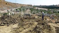GÜNEYKENT - Teröristin Cenazesi Sahip Çıkan Olmayınca Kimsesizler Mezarlığına Gömüldü
