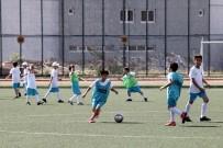 SAĞLIK RAPORU - Yenimahalle'de Minik Futbolcular İçin Kış Fırsatı