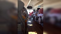 YEŞİM SALKIM - Yeşim Salkım'dan Şehirlerarası Otobüste Konser