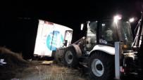 Yolcu otobüsü devrildi: 3 ölü, 43 yaralı