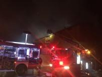 İTFAİYE ERİ - Arnavutköy'de Boya Fabrikası Yangını Havadan Görüntülendi