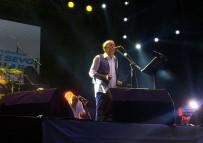 DENİZ TÜRKALİ - Beylikdüzü'nde Edip Akbayram Konseri