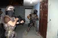 ŞAFAK VAKTI - DEAŞ'a Eleman Sağlayan 3 Kişi Gözaltına Alındı
