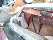 İNŞAAT MALZEMESİ - Freni Patlayan Kamyon Devrildi Açıklaması 1 Ölü, 1 Yaralı