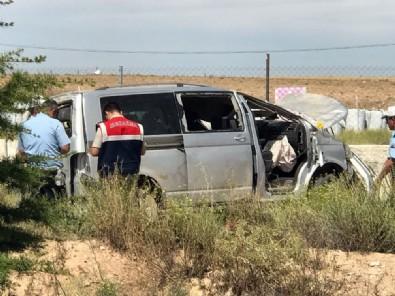 Minibüs devrildi: 4 ölü, 6 yaralı