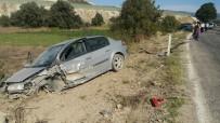 KAYGıSıZ - Hisarcık'ta Trafik Kazası Açıklaması 2 Yaralı