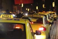 KISA MESAFE - İstanbul'da Taksi Ücretlerine Yüzde 15 Zam