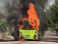 KURUÇEŞME - Kocaeli'de halk otobüsü yandı