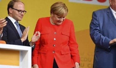 Türkiye düşmanı Merkel'in domatesle imtihanı...
