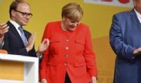 HRISTIYAN - Türkiye düşmanı Merkel'in domatesle imtihanı...