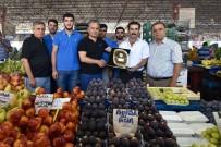 SEMT PAZARI - Muratpaşa'da 'Örnek Pazarcılara' Plaket