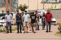 MOĞOLISTAN - Özel Düzenekli Çantayla 13 Bin Liralık Kıyafet Çaldılar