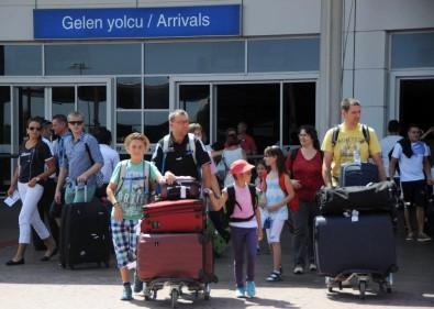 Ruslar Antalya'ya akın etti