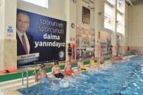 YÜZME KURSU - Salihli'de Yaz-Kış Yüzme Öğretiliyor