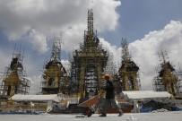 BHUMIBOL ADULYADEJ - Tayland Kralının Yakılması İçin Saray Yapılıyor