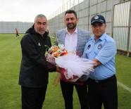 KAYALı - Zabıtadan, Sivassporlu Futbolculara Baklava İkramı