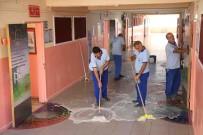 BAĞCıLAR BELEDIYESI - Bağcılar'da Eğitim Sezonu Öncesi Okullar Temizleniyor