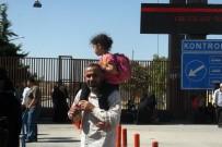 ÖNCÜPINAR - Bayramı Ülkelerinde Geçiren Suriyeliler Türkiye'ye Dönüyor