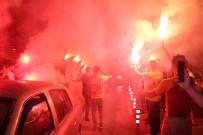 TARIK ÇAMDAL - Galatasaray'a Antalya'da Coşkulu Karşılama