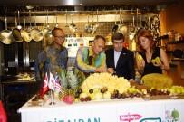 SERBEST TICARET ANLAŞMASı - Malezya Büyükelçisi Dünyanın En Büyük Meyvesini Kesti