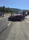 POLONYA - Otomobil İle Kamyonet Çarpıştı Açıklaması 3 Yaralı