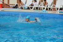 YÜZME KURSU - Seyitgazi Belediyesi Yüzme Kursu İlk Mezunlarını Veriyor