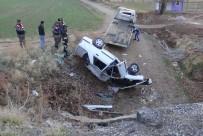 Aksaray'da Otomobil Menfeze Devrildi Açıklaması 4 Yaralı