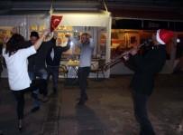 HAVAİ FİŞEK - Bodrum'da Sokaklar Eğlence Mekanına Döndü